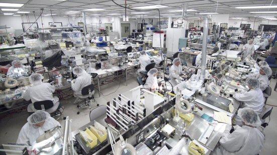 hoạt động sản xuất trang thiết bị y tế