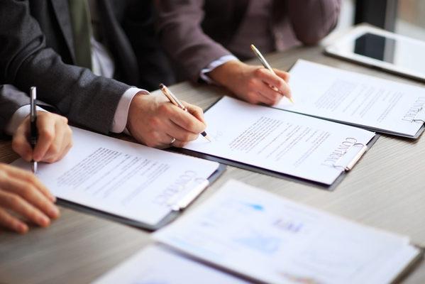 Một số quy định về hình thức của giao dịch dân sự